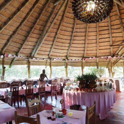 10Planet Baobab - Restaurant & chandelier 2