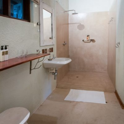 Bayete bathroom standard room