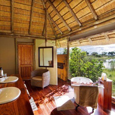 Kwando Lagoon bathroom view