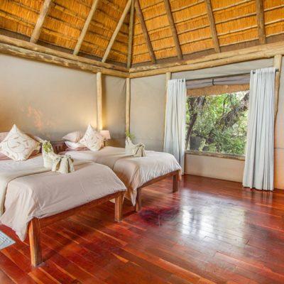 Kwando Lagoon family room