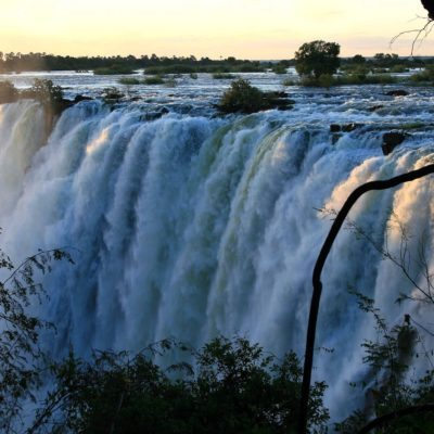 VF - activities - tour of the Falls