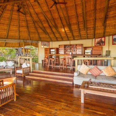 Kwando Lagoon bar and lounge