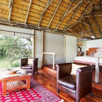 Kwando Lagoon bedroom and lounge
