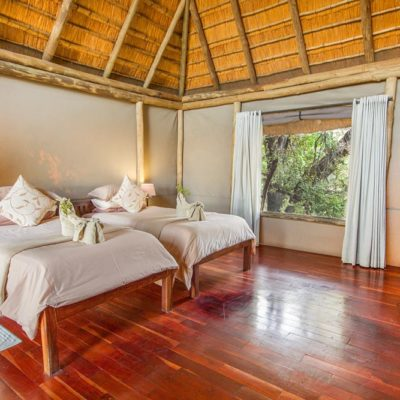 Kwando Lagoon family room
