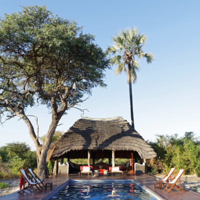 21Camp Kalahari - Swimming pool with guests